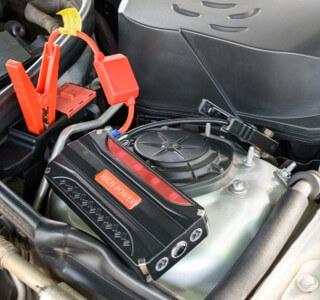 Jump Starter Charging Car Battery